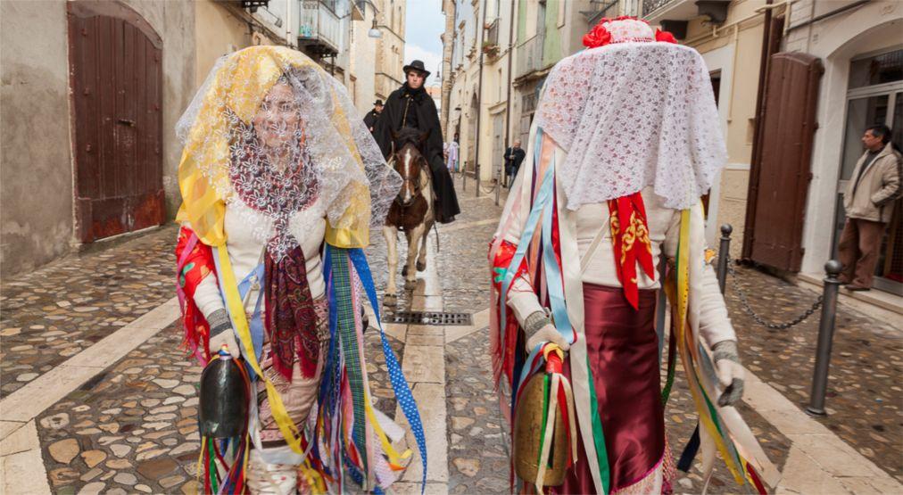 Римский карнавал http://travelcalendar.ru/wp-content/uploads/2015/12/Rimskij-karnaval_glav5.jpg
