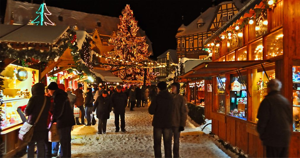Рождественские ярмарки в Германии http://travelcalendar.ru/wp-content/uploads/2015/12/Rozhdestvenskie-yarmarki-v-Germanii_glav1.jpg
