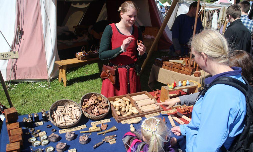 Средневековая ярмарка в Копенгагене http://travelcalendar.ru/wp-content/uploads/2015/12/Srednevekovaya-yarmarka-v-Kopengagene_glav4.jpg