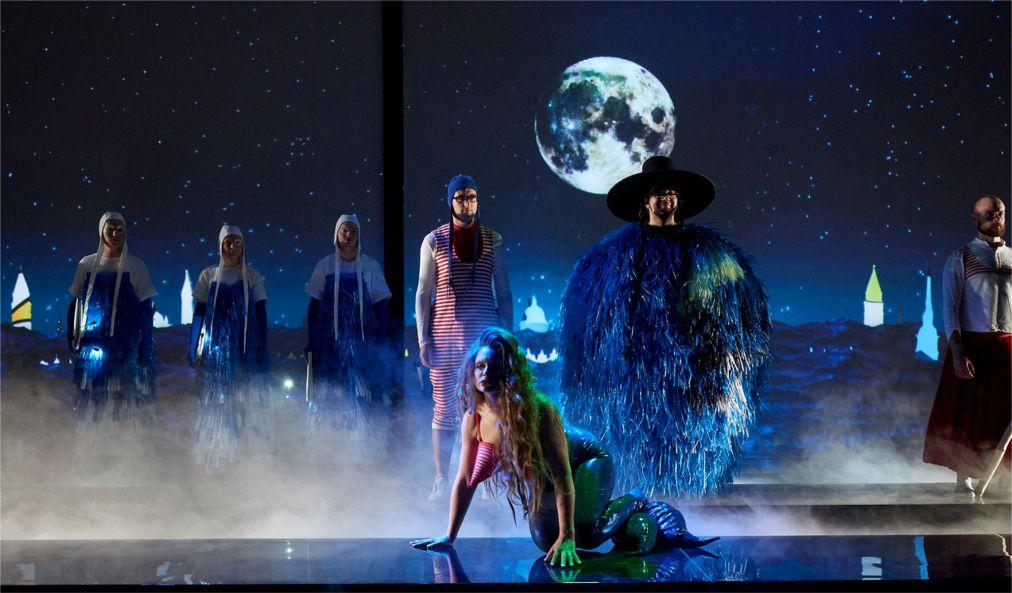 Театральный фестиваль «Золотая Маска» в Москве http://travelcalendar.ru/wp-content/uploads/2015/12/Teatralnyj-festival-Zolotaya-Maska-v-Moskve_glav1.jpg