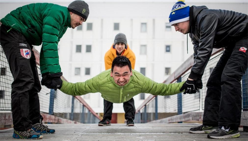 Арктические зимние игры http://travelcalendar.ru/wp-content/uploads/2016/01/Arkticheskie-zimnie-igry-v-Nuuke_glav5.jpg