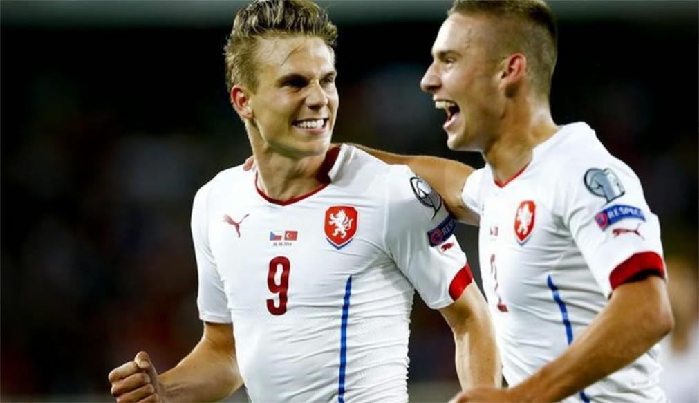 Чемпионат Европы по футболу 2016 во Франции http://travelcalendar.ru/wp-content/uploads/2016/01/CHempionat-Evropy-po-futbolu-2016-vo-Frantsii_glavn1.jpg