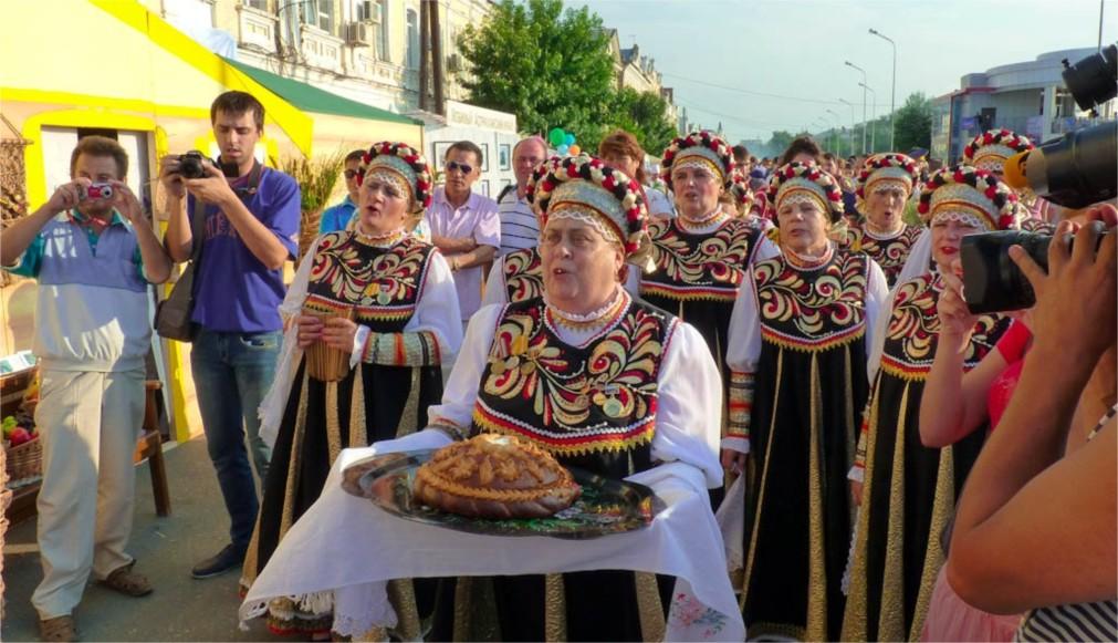 День рыбака в Астрахани http://travelcalendar.ru/wp-content/uploads/2016/01/Den-Rybaka-v-Astrahani_glav1.jpg