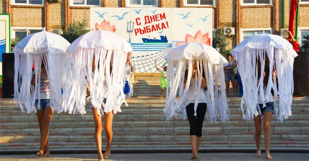 День рыбака в Астрахани http://travelcalendar.ru/wp-content/uploads/2016/01/Den-Rybaka-v-Astrahani_glav2.jpg