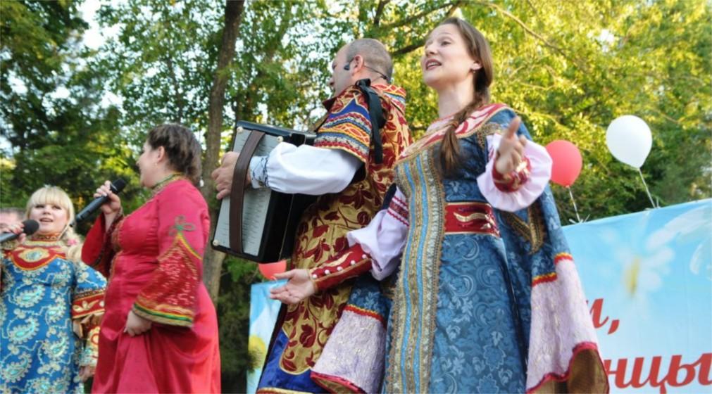 День рыбака в Астрахани http://travelcalendar.ru/wp-content/uploads/2016/01/Den-Rybaka-v-Astrahani_glav4.jpg