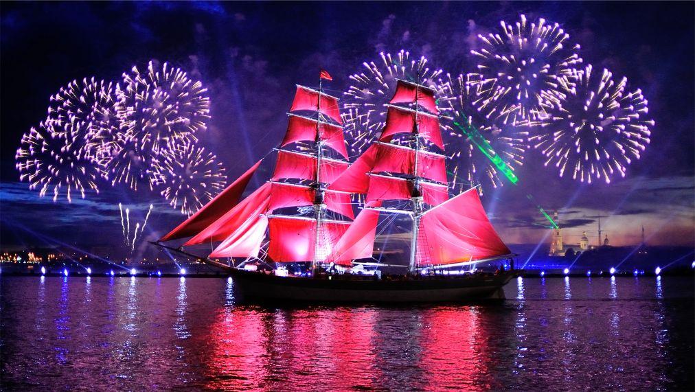Фестиваль «Алые паруса» в Санкт-Петербурге http://travelcalendar.ru/wp-content/uploads/2016/01/Festival-Alye-parusa-v-Sankt-Peterburge_glav1.jpg