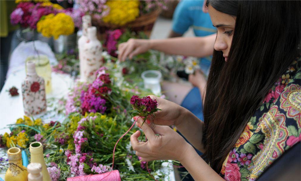 Фестиваль цветов в Тбилиси http://travelcalendar.ru/wp-content/uploads/2016/01/Festival-tsvetov-v-Tbilisi_glav1.jpg