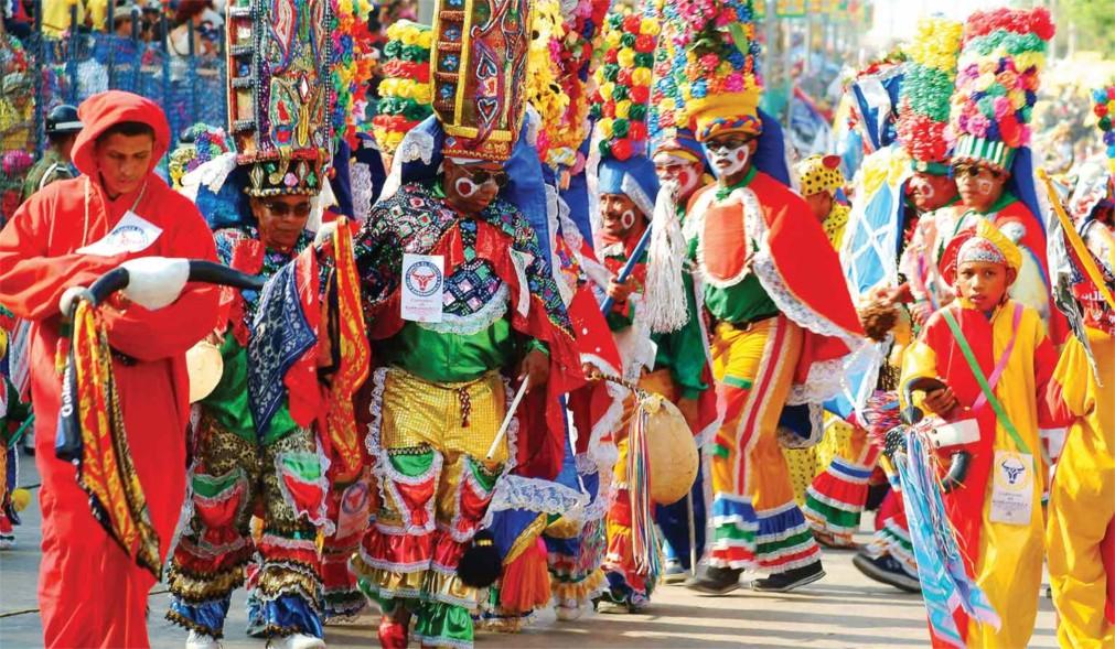Карнавал в Барранкилье http://travelcalendar.ru/wp-content/uploads/2016/01/Karnaval-v-Barrankile_glavn1.jpg