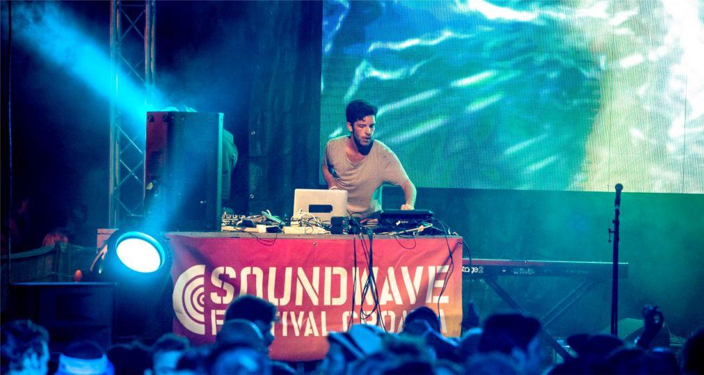 Музыкальный фестиваль Soundwave в Тисно http://travelcalendar.ru/wp-content/uploads/2016/01/Muzykalnyj-festival-Soundwave-v-Tisno_glav1.jpg