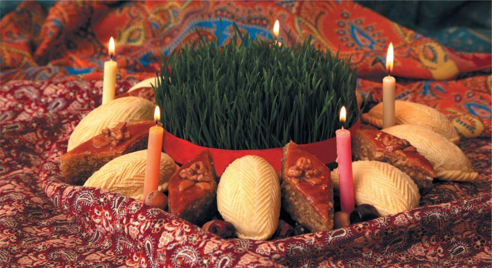 Праздник Новруз в Азербайджане http://travelcalendar.ru/wp-content/uploads/2016/01/Prazdnik-Novruz-v-Azerbajdzhane_glav2.jpg