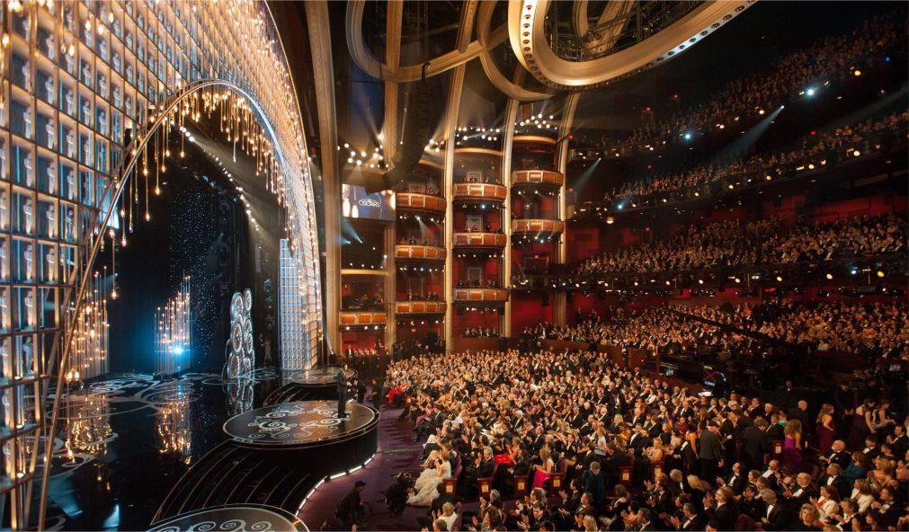 Церемония вручения наград премии «Оскар» в Лос-Анджелесе http://travelcalendar.ru/wp-content/uploads/2016/01/TSeremoniya-vrucheniya-nagrad-premii-Oskar-v-Los-Andzhelese_glav2.jpg