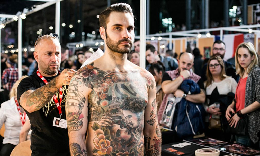 Тату-конвенция Mondial du Tatouage в Париже http://travelcalendar.ru/wp-content/uploads/2016/01/Tatu-konventsiya-Mondial-du-Tatouage-v-Parizhe_glav4.jpg