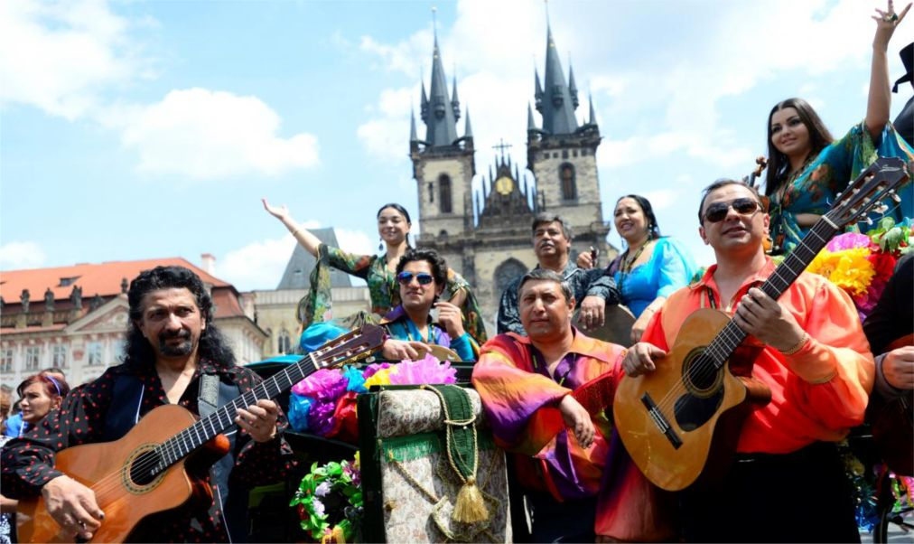 Всемирный цыганский фестиваль «Каморо» в Праге http://travelcalendar.ru/wp-content/uploads/2016/01/Vsemirnyj-tsyganskij-festival-Kamoro-v-Prage_glav1.jpg