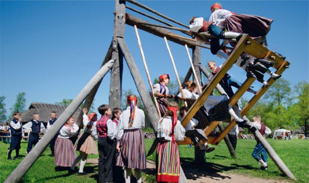 Яанов день в Эстонии http://travelcalendar.ru/wp-content/uploads/2016/01/YAanov-den-v-Estonii_glav1.jpg