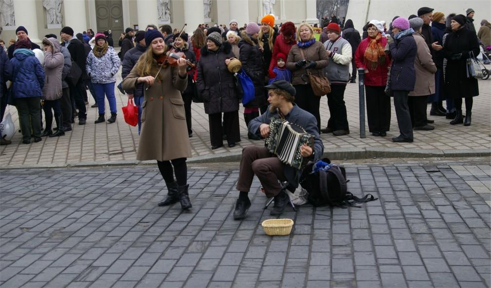 Ярмарка Казюкаса в Вильнюсе http://travelcalendar.ru/wp-content/uploads/2016/01/YArmarka-Kazyukasa-v-Vilnyuse_glav2.jpg