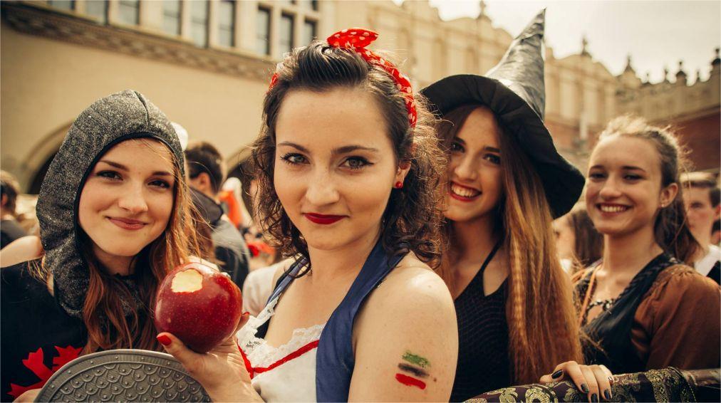 День студента в Польше http://travelcalendar.ru/wp-content/uploads/2016/02/Den-studenta-v-Polshe_glav3.jpg