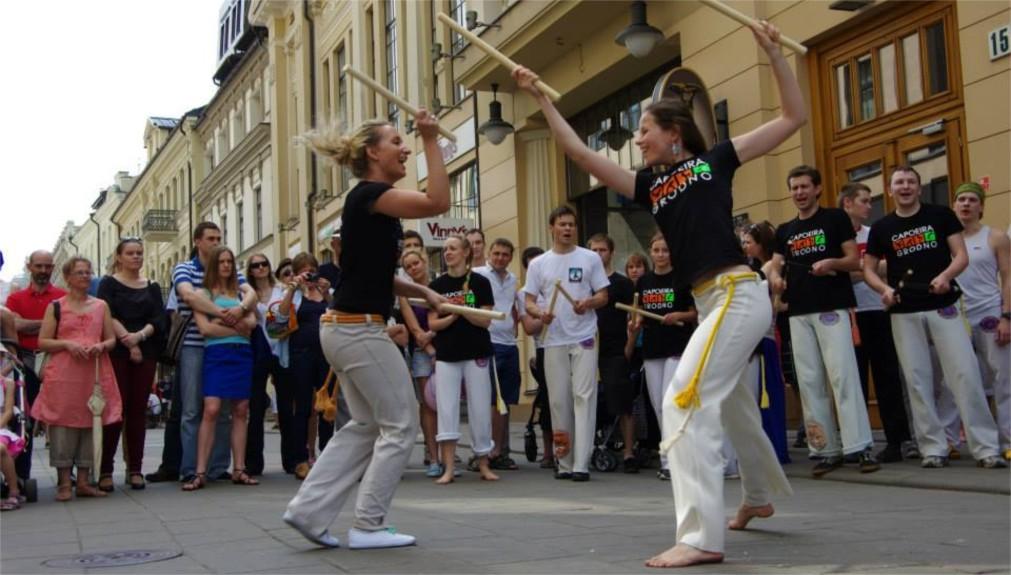 День уличной музыки в Вильнюсе http://travelcalendar.ru/wp-content/uploads/2016/02/Den-ulichnoj-muzyki-v-Vilnyuse_glav4.jpg