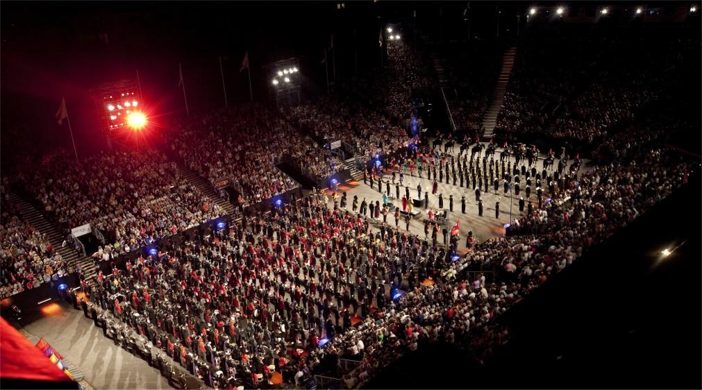 Фестиваль голландских военных оркестров в Роттердаме http://travelcalendar.ru/wp-content/uploads/2016/02/Festival-gollandskih-voennyh-orkestrov-v-Rotterdame_glav4.jpg