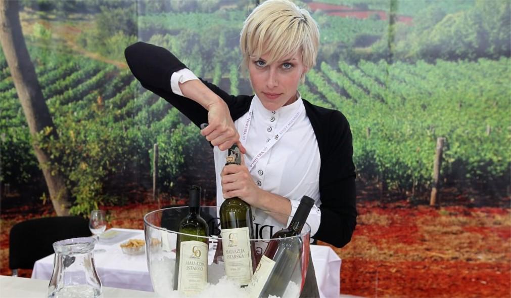 Международная винная выставка Vinistra в Порече http://travelcalendar.ru/wp-content/uploads/2016/02/Mezhdunarodnaya-vinnaya-vystavka-Vinistra-v-Poreche_glav1.jpg