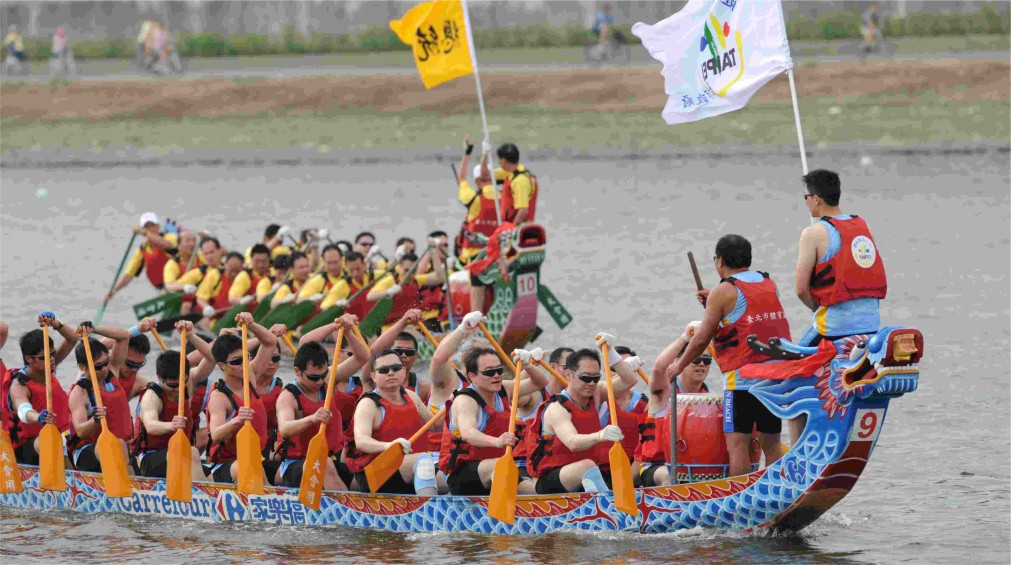 Международные гонки лодок-драконов на Пенанге http://travelcalendar.ru/wp-content/uploads/2016/02/Mezhdunarodnye-gonki-lodok-drakonov-na-Penange_glav2.jpg