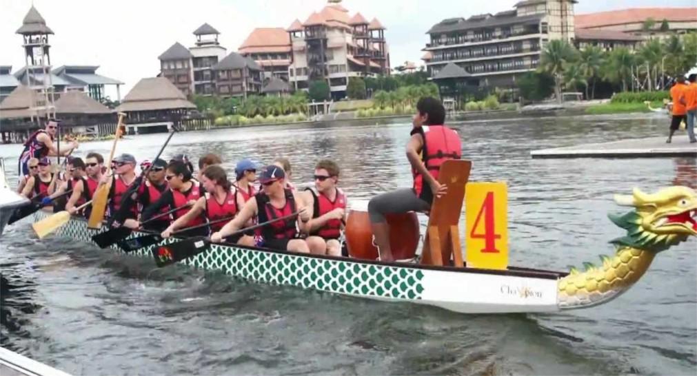 Международные гонки лодок-драконов на Пенанге http://travelcalendar.ru/wp-content/uploads/2016/02/Mezhdunarodnye-gonki-lodok-drakonov-na-Penange_glav3.jpg
