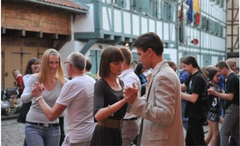 Международный день танца в Риге http://travelcalendar.ru/wp-content/uploads/2016/02/Mezhdunarodnyj-den-tantsa-v-Vilnyuse-glavn2.jpg