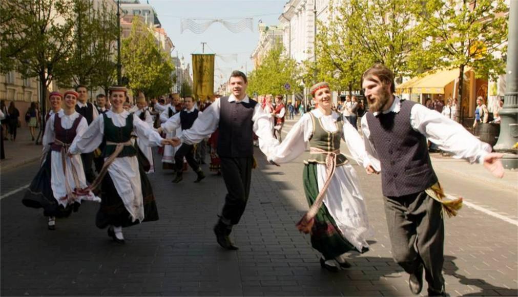 Международный день танца в Риге http://travelcalendar.ru/wp-content/uploads/2016/02/Mezhdunarodnyj-den-tantsa-v-Vilnyuse-glavn3.jpg