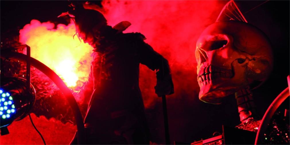 Национальный пиротехнический фестиваль в Мехико http://travelcalendar.ru/wp-content/uploads/2016/02/Natsionalnyj-pirotehnicheskij-festival-v-Mehiko_glav2.jpg