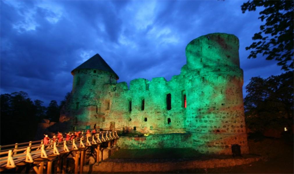 Ночь музеев в Риге http://travelcalendar.ru/wp-content/uploads/2016/02/Noch-muzeev-v-Rige_glav1.jpg