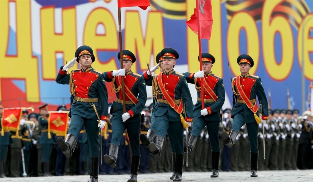 Парад Победы на Красной Площади в Москве http://travelcalendar.ru/wp-content/uploads/2016/02/Parad-Pobedy-na-Krasnoj-Ploshhadi_glavn5.jpg
