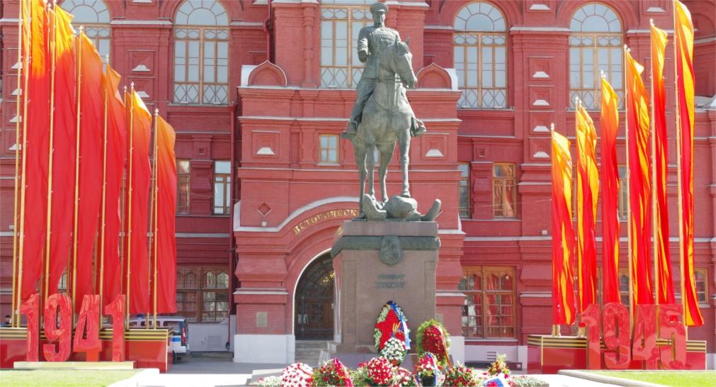 Парад Победы на Красной Площади в Москве http://travelcalendar.ru/wp-content/uploads/2016/02/Parad-Pobedy-na-Krasnoj-Ploshhadi_glavn7.jpg