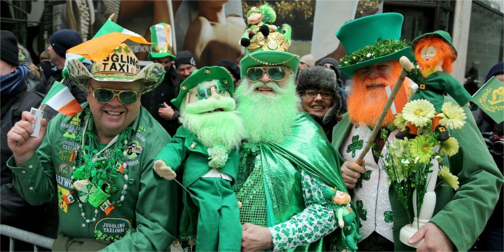 Парад на День святого Патрика в Нью-Йорке http://travelcalendar.ru/wp-content/uploads/2016/02/Parad-na-Den-svyatogo-Patrika-v-Nyu-Jorke_glav1.jpg