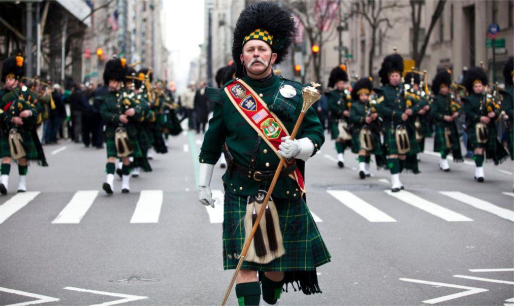 Парад на День святого Патрика в Нью-Йорке http://travelcalendar.ru/wp-content/uploads/2016/02/Parad-na-Den-svyatogo-Patrika-v-Nyu-Jorke_glav11.jpg