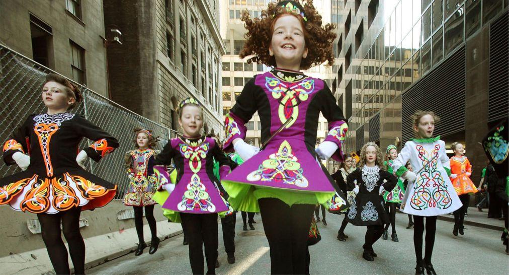 Парад на День святого Патрика в Нью-Йорке http://travelcalendar.ru/wp-content/uploads/2016/02/Parad-na-Den-svyatogo-Patrika-v-Nyu-Jorke_glav4.jpg