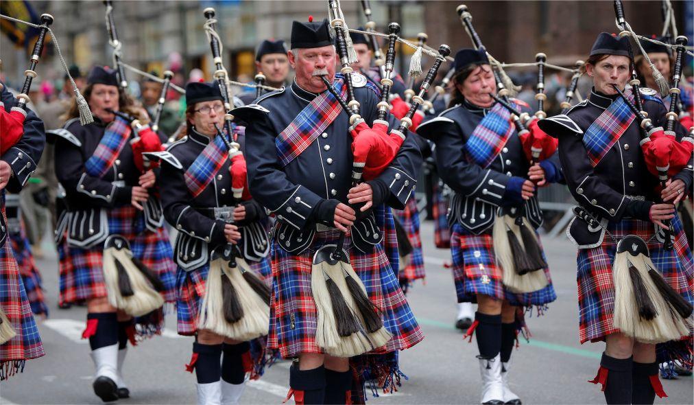 Парад на День святого Патрика в Нью-Йорке http://travelcalendar.ru/wp-content/uploads/2016/02/Parad-na-Den-svyatogo-Patrika-v-Nyu-Jorke_glav9.jpg