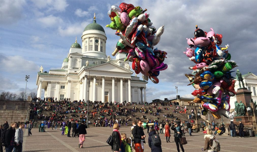 Первомай в Хельсинки http://travelcalendar.ru/wp-content/uploads/2016/02/Pervomaj-v-Helsinki_glav5.jpg