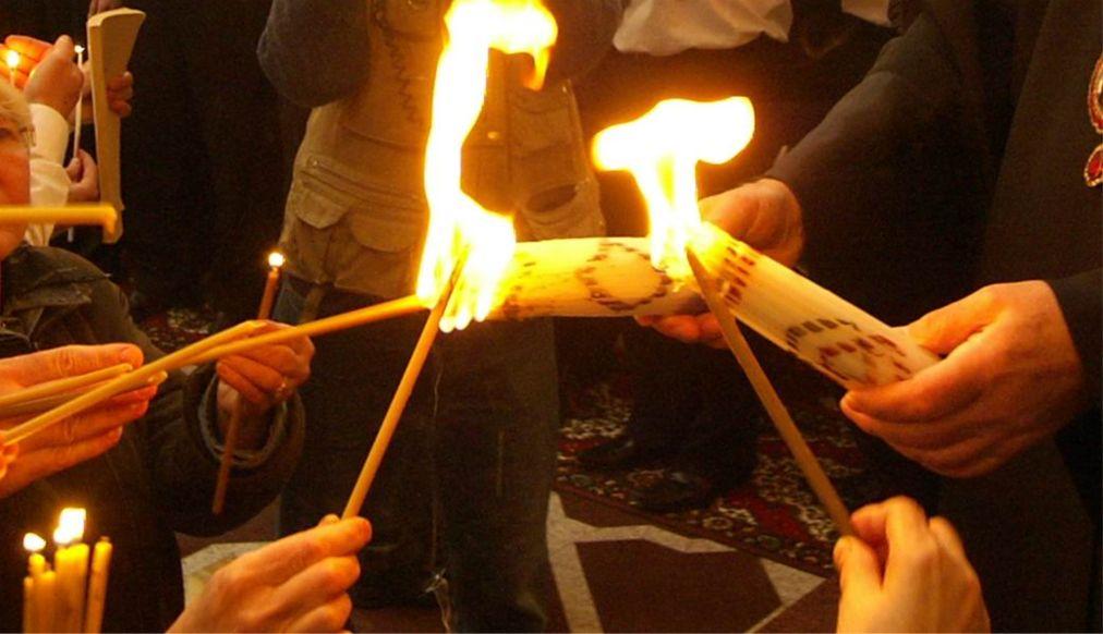 Схождение Благодатного Огня в Иерусалиме http://travelcalendar.ru/wp-content/uploads/2016/02/Shozhdenie-Blagodatnogo-Ognya-v-Ierusalime_glav4.jpg