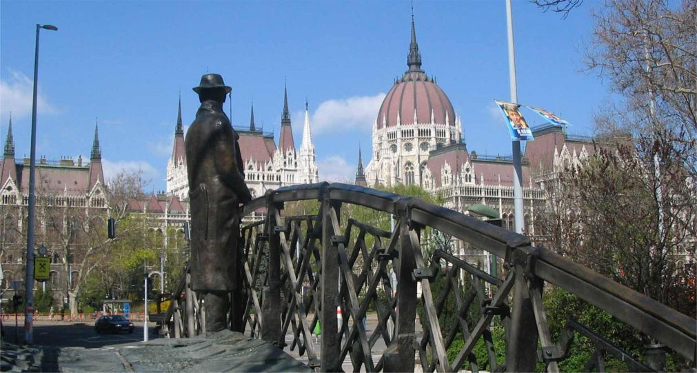 Архитектурный фестиваль «Будапешт 100» http://travelcalendar.ru/wp-content/uploads/2016/03/Arhitekturnyj-festival-Budapesht-100-_glav3.jpg