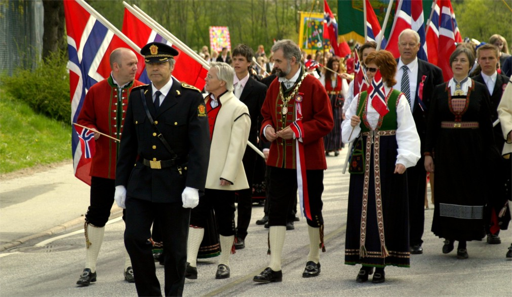 День Конституции в Осло http://travelcalendar.ru/wp-content/uploads/2016/03/Den-Konstitutsii-v-Oslo_glav2.jpg