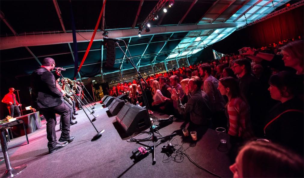 Джазовый фестиваль Jazzkaar в Таллине http://travelcalendar.ru/wp-content/uploads/2016/03/Dzhazovyj-festival-Jazzkaar-v-Talline_glav4.jpg