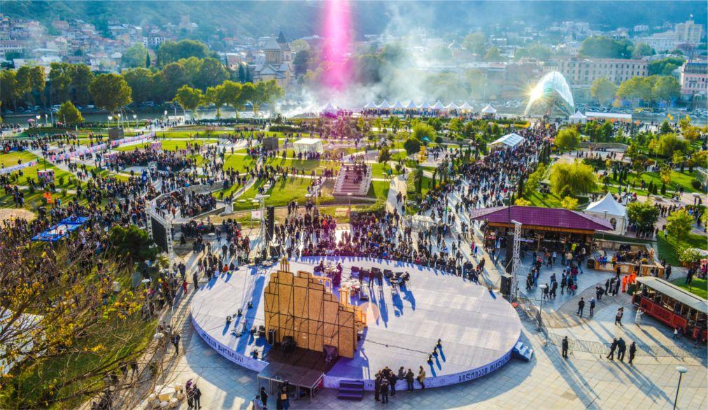 Фестиваль Тбилисоба в Тбилиси http://travelcalendar.ru/wp-content/uploads/2016/03/Festival-Tbilisoba-v-Tbilisi_glav2.jpg