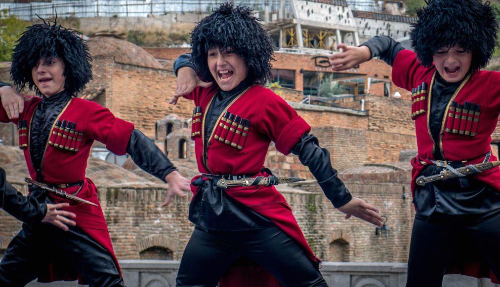 Фестиваль Тбилисоба в Тбилиси http://travelcalendar.ru/wp-content/uploads/2016/03/Festival-Tbilisoba-v-Tbilisi_glav6.jpg