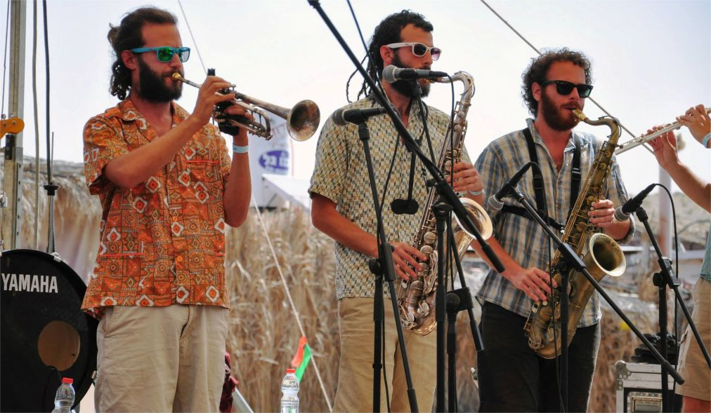 Фестиваль «Зорба-Будда» в пустыне Негев http://travelcalendar.ru/wp-content/uploads/2016/03/Festival-Zorba-Budda-v-pustyne-Negev_glav1.jpg