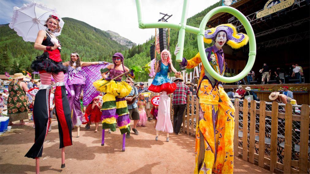 Фестиваль блюграсса в Теллуриде http://travelcalendar.ru/wp-content/uploads/2016/03/Festival-blyugrassa-v-Telluride_glav2.jpg