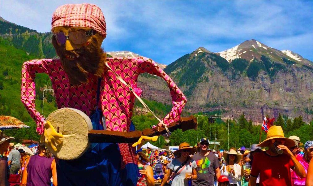Фестиваль блюграсса в Теллуриде http://travelcalendar.ru/wp-content/uploads/2016/03/Festival-blyugrassa-v-Telluride_glav7.jpg