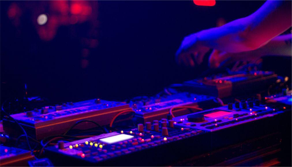 Фестиваль электронных искусств MUTEK в Монреале http://travelcalendar.ru/wp-content/uploads/2016/03/Festival-elektronnyh-iskusstv-MUTEK-v-Monreale_glav1.jpg