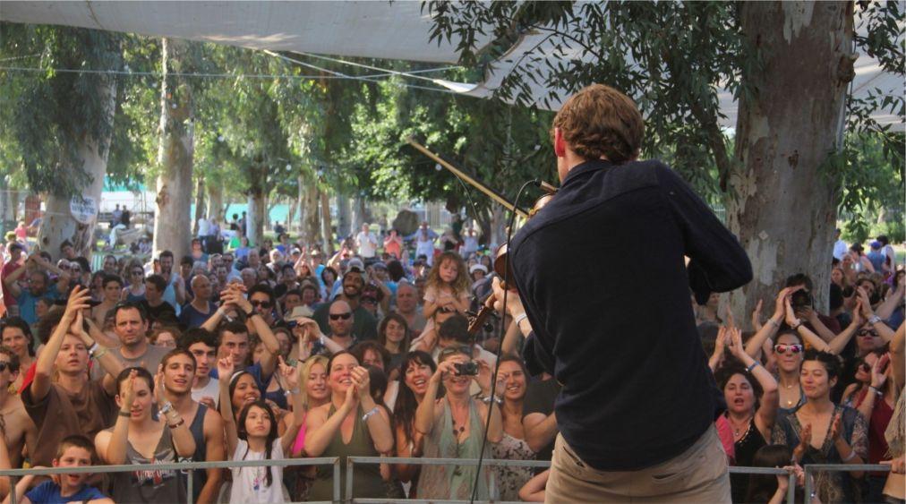 Фестиваль фолк-музыки «Лестница Иакова» в Гиносаре http://travelcalendar.ru/wp-content/uploads/2016/03/Festival-folk-muzyki-Lestnitsa-Iakova-v-Ginosare_glav1.jpg