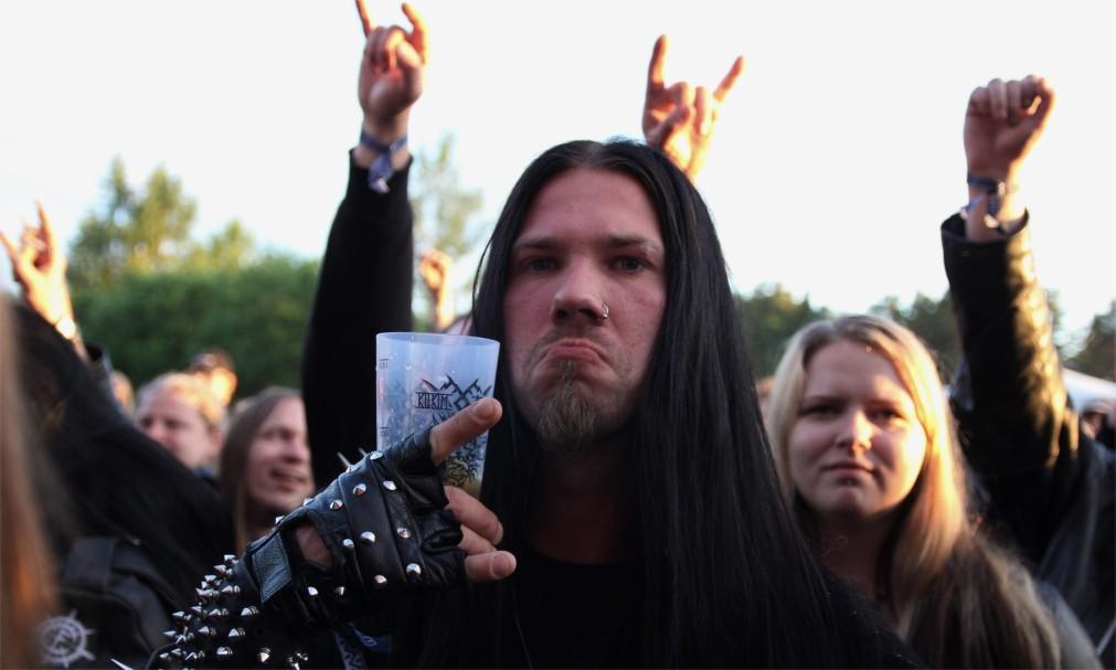 Фестиваль хэви-метал и фолк-музыки «Килким Жайбу» в Варняй http://travelcalendar.ru/wp-content/uploads/2016/03/Festival-hevi-metal-i-folk-muzyki-Kilkim-ZHajbu-v-Varnyaj_glav4.jpg