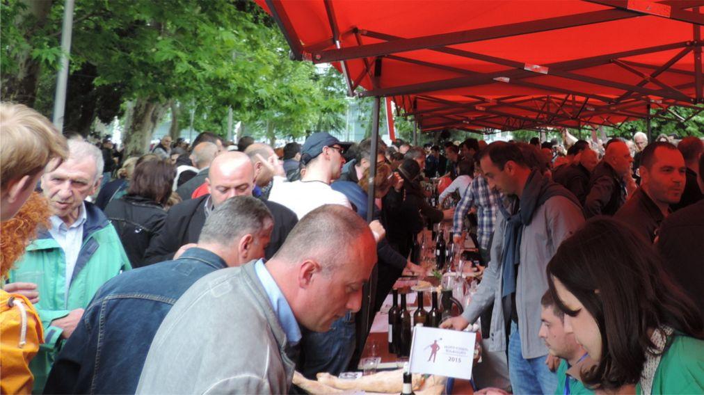 Фестиваль молодого вина в Тбилиси http://travelcalendar.ru/wp-content/uploads/2016/03/Festival-molodogo-vina-v-Tbilisi_glav4.jpg