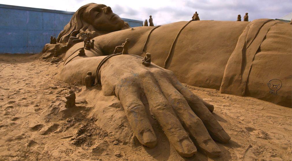 Фестиваль песчаных скульптур в Бургасе http://travelcalendar.ru/wp-content/uploads/2016/03/Festival-peschanyh-skulptur-v-Burgase_glav3.jpg